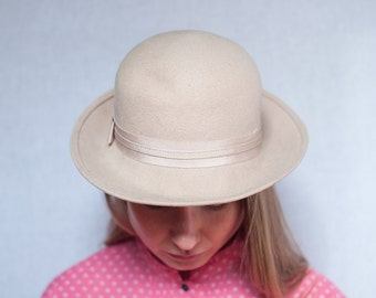 Vintage Beige Felt Wool Hat with Turned Brim