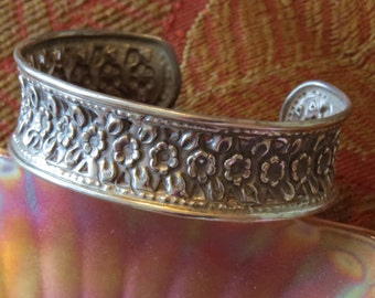 Vintage Victorian Style Antiqued Sterling Silver Floral Flower Rose Repousse Cuff Bracelet