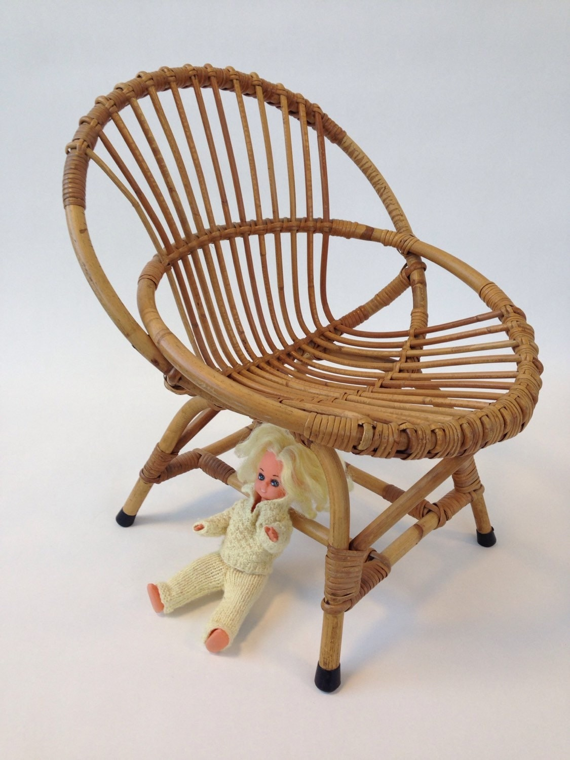 Vtg cute toddler 39 s chair rattan bamboo frame rohe for Cute toddler chairs