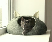 Pets bed / Cat bed - cat cave - cat house - eco-friendly handmade felted wool cat bed - dark green and natural white