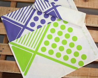 2 Purple or Lime Green placemats - Geometric pattern - Cotton tablemats handprinted with a geometric design in Lime Green or Violet Set x 2