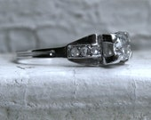 Beautiful Vintage Art Deco Platinum Diamond Engagement Ring - 0.58ct.