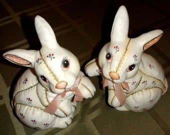 RARE Vintage Quilted Handpainted Lefton China Easter Bunny Rabbit Pair 1987