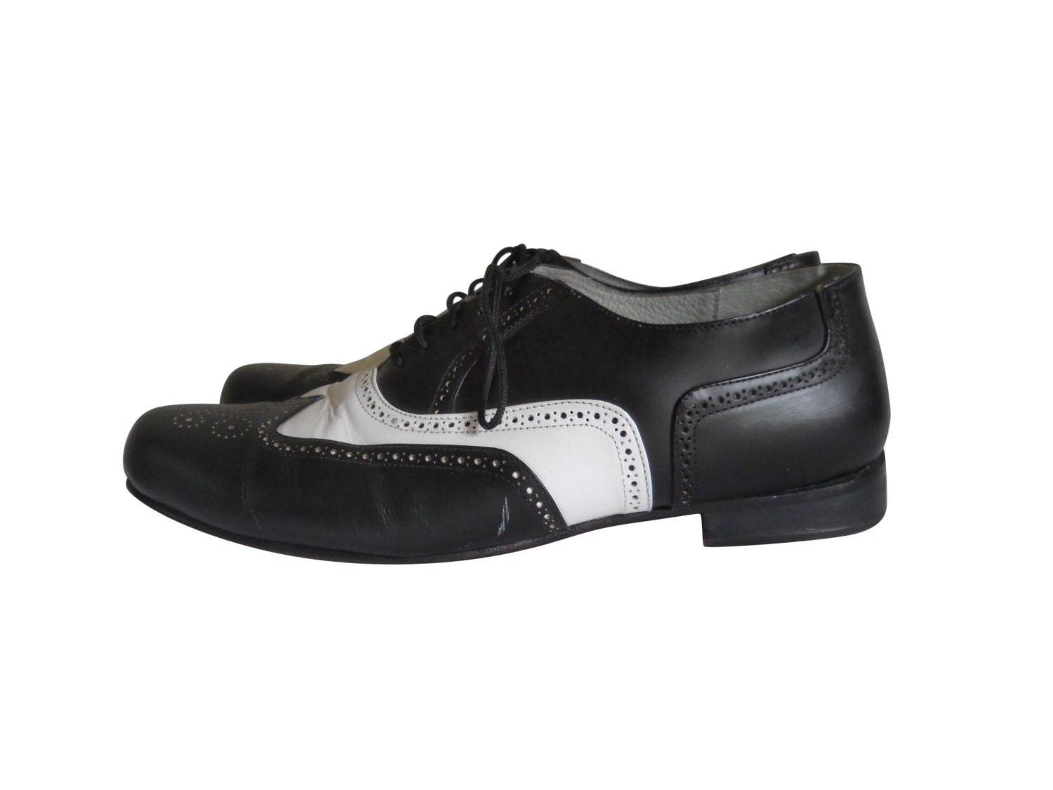 spectator shoe black and white shoe wingtip shoe