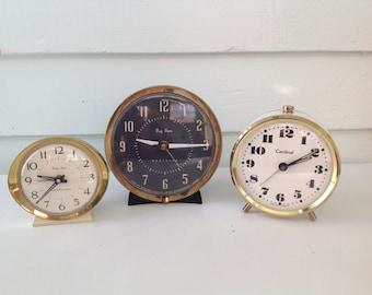 Vintage Metal Clock Set, Decorative Clock Lot, White and Black Clocks, Photography Props, Vintage Wind Up Clocks, Set of 3 Clocks