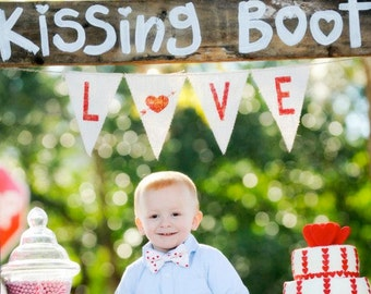LOVE Burlap Banner / Photography Prop