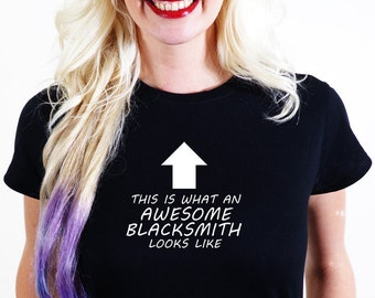 AWESOME BLACKSMITH  T-SHIRT Official Personalised This is What Looks Like forge brazier fire irons horseshoe anvil