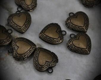 Small Brass Heart Locket Pendants / Charms