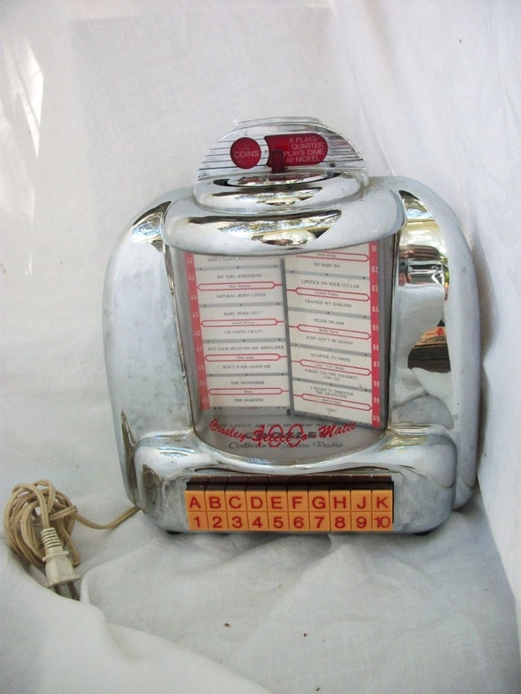 Nifty Crosley Select O Matic Lighted Diner Radio Cassette