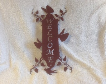 Tall Vine Metal Welcome Sign