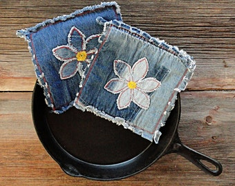 Flower Power Blue Jean Potholders - Daisy Denim Hot Pads - The Best Potholders Ever .
