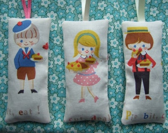 Hanging character lavender sachets, party gift, party favour, child's room decor, children's character, lavender pillow, fabric decoration