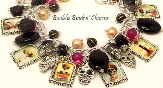 Skull Altered Art Charm Bracelet, Day of the Dead Charm Bracelet Jewelry,  'Día de los Muertos' , Gothic Jewelry