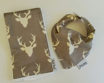 Baby Bib and Baby Burp Cloth Set in Antlers / Stag on Gray // Baby Deer Antlers // Antler Baby // Burp Cloth // Modern Baby Set