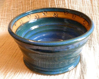 Wandering Paw Pet Bowl in Floating Blue glaze
