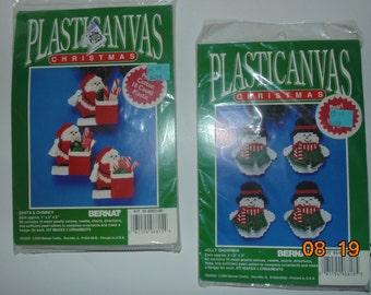 New Vintage Bernat Plastic canvas Christmas santa chimney and jolly snowmen