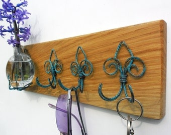 key rack with vase, rustic Fleur de lis