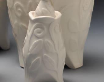 Keepsake Urn, White on White Vine