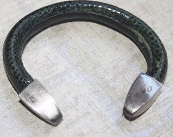 Vintage 1940's Green Snakeskin Cuff Antique  Bracelet with Sterling SIlver - Authentic Snakeskin - Leather -Small