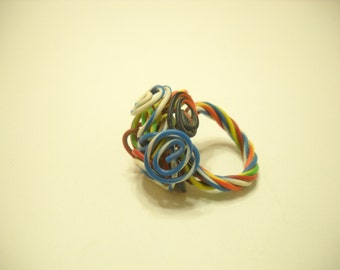 Vintage Funky Rainbow Plastic Curly Ring (Size 6)