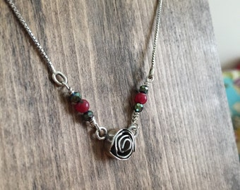 Little rose necklace