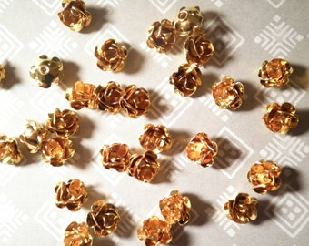 12 Goldplated 12mm Rose Beads