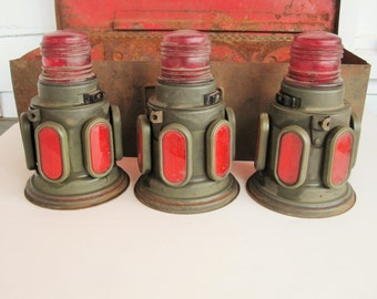 Vintage 'K-D 604 Lamp Flares' in Original Metal Case - Battery Operated - Classic Road History Collectible - Three Flares With Mazda Lights