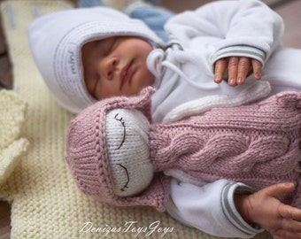 Naptime dolls. - pdf knitting pattern. Knitted in the round. Doll for small babies