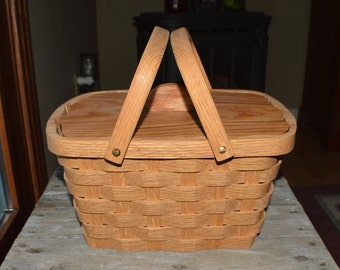 Wood Sewing Basket ,lid handles and liner Oak wood
