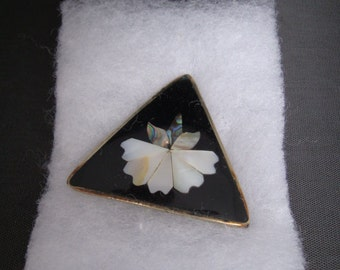 Beautiful Alpaca Mexico Silver Brooch with Black Enamel, Mother of Pearl, and Abalone Inset design