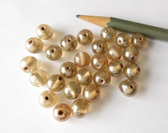 16 vintage luster glass beads 10mm