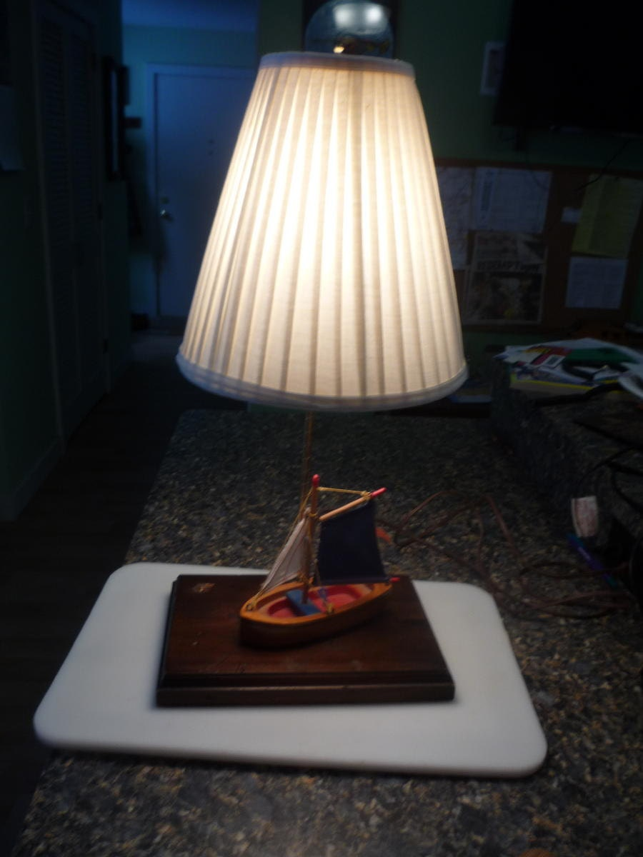 Sailboat Table Lamp : Nautical sailboat table lamp