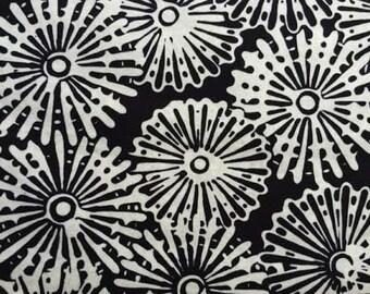 Hoffman - Bali Batiks Pin Wheels H2267-4 Black