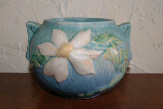 Vintage Blue Ceramic Pottery Roseville Bowl With CLEMATIS Pattern Number 455-4 From 1944