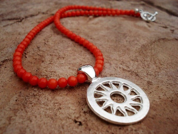 Sun Pendant Necklace, Beaded Orange Necklace, Coral Necklace, Beach Necklace, Beach Jewelry, Toggle Necklace, Nature Jewelry, Boho Necklace