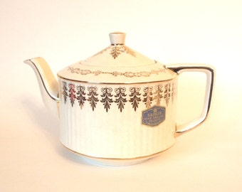 Sadler Teapot Engish Tea Pot Creamy White with Gold with Original Tag Attached |Made in England |  Afternoon Tea Party