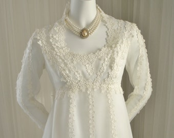 Adorable Wedding Dress with Empire Waist and Queen Anne Neckline Daisy Lace Boho Hippie 1960/1970 Era