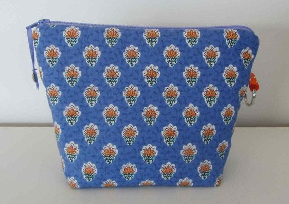 trousse souleiado bleu lavandetrousse de sac pochette bleu. Black Bedroom Furniture Sets. Home Design Ideas