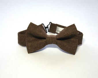 Bow Tie - Brown w/ Squiggle Lines Bowtie