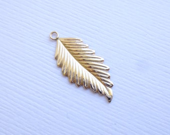 14K Gold Filled Large Leaf Charms -- 1 Piece -- Right Side -- HB2878RF