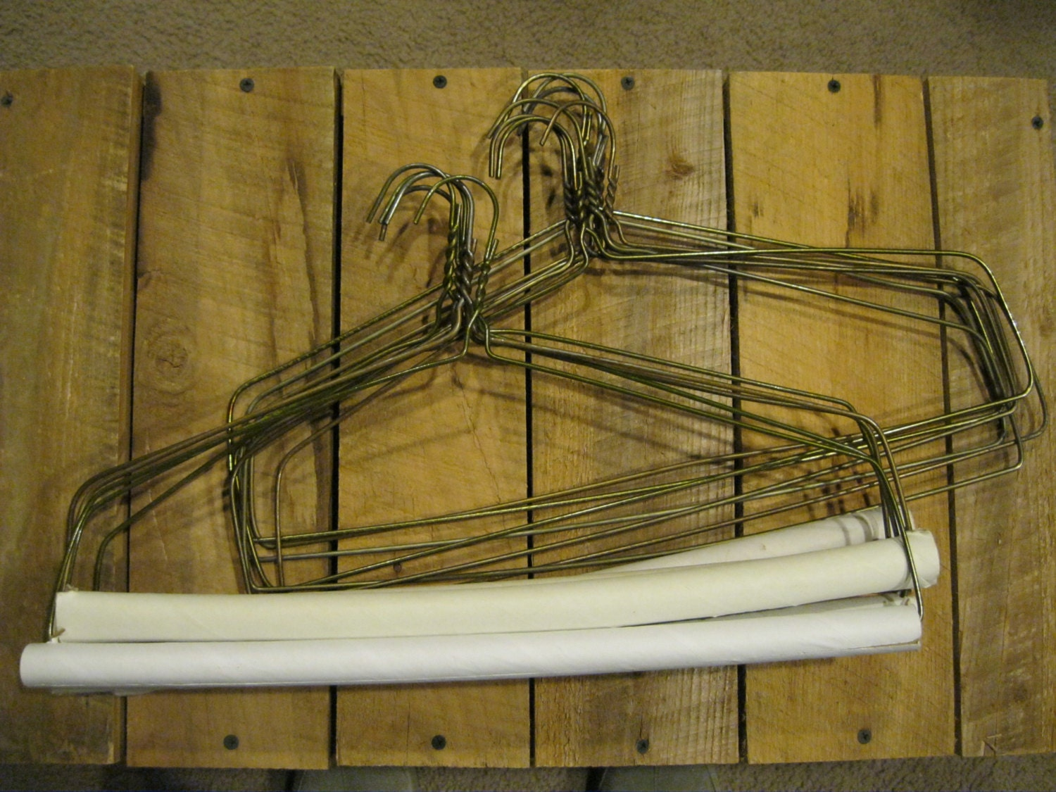 12 Vintage Metal Wire Hangers Tablecloth Hangers Wire