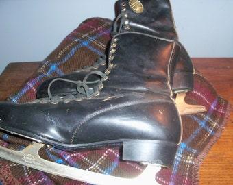 Large Vintage Black Leather Ice Skates Canada