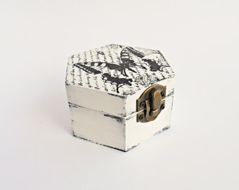SALE, FREE SHIPPING, Wedding antique white ring bearer box / pillow, Wooden ring box, Pillow alternative, Wedding keepsake box, Memory box