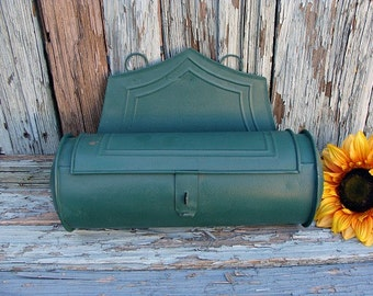 Candle Box Metal Cylinder Wall Hanging Green
