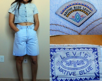 Vintage LEVI's NATIVE BLUE denim shorts // Light Wash // High waisted // Long // Size 6