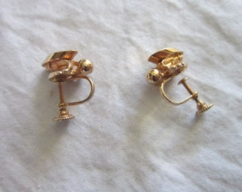 Vintage Stylized Gold Tone Screw Back Earrings Pretty
