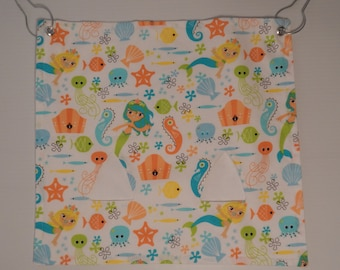"""The """"Pig""""-Out Pouch.. Under the Sea on white with 2 holes Hay Bag"""
