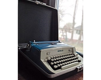 Vintage Manual Royal Typewriter -TelStar- Serviced with Original Case & Key -Blue/Ivory