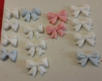 Resin Bows, set of 14, 4 different colors,
