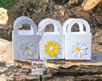 12 Daisy Flower Wildlife  favor thank you gifts, 12 favor boxes, baby shower, Daisy decorations, baby first ,girly party,